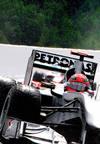 La lluvia complica la carrera de Alonso